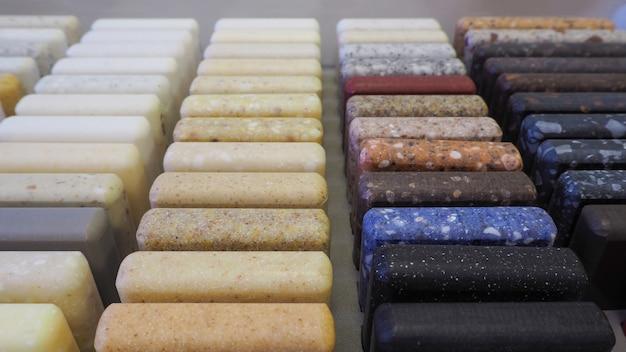 Amostras de pedra acrílica. amostras de pedra acrílica para a produção de bancadas.
