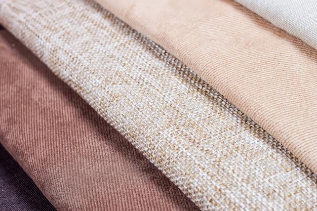 Amostras de textura de tecido multicolorido. profundidade superficial de campo