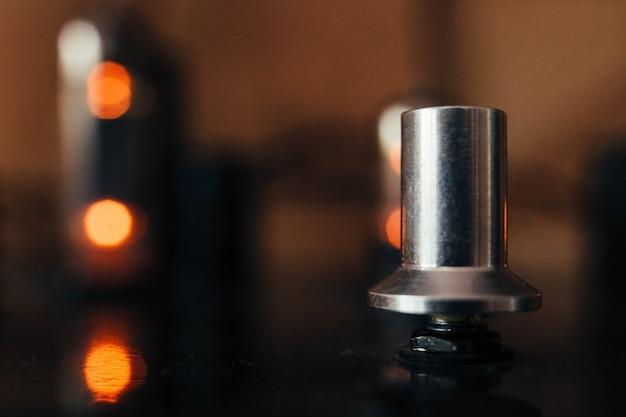 Amplificador valvulado vintage close up de controle de volume de música antiga