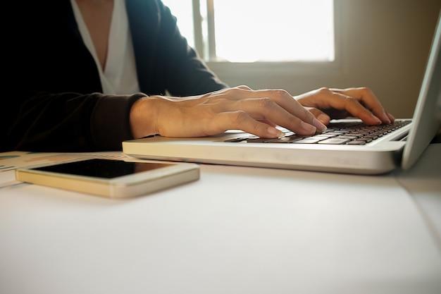 Analise acima a análise diária de nota de desktop