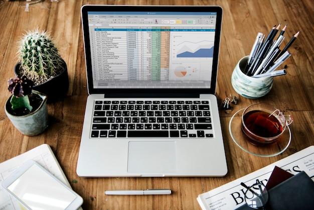 Análise de estratégia de estudo de informação de planejamento de negócios