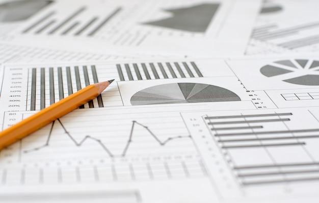 Análise de negócios, gráficos e tabelas. um desenho esquemático em pa