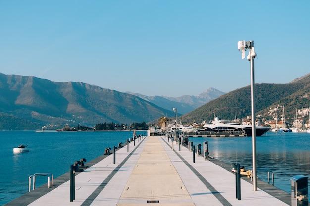 Ancoradouro em montenegro, budva e tivat. porto montenegro para pessoas ricas