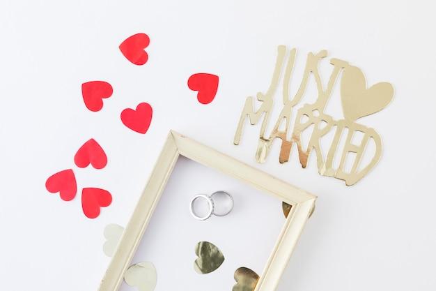 Anéis de casamento com ornamentos