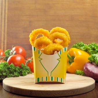 Anéis de cebola fritos crocantes