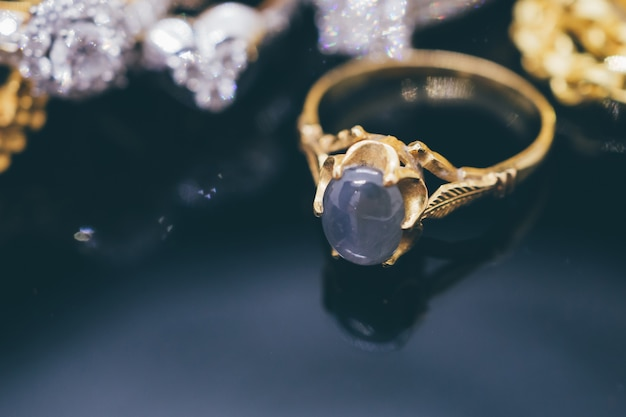 Anéis de safira azul joias de ouro vintage com reflexo