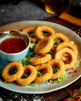 Anéis fritos com pimentão doce
