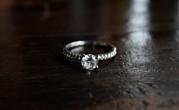 Anel de casamento de joias