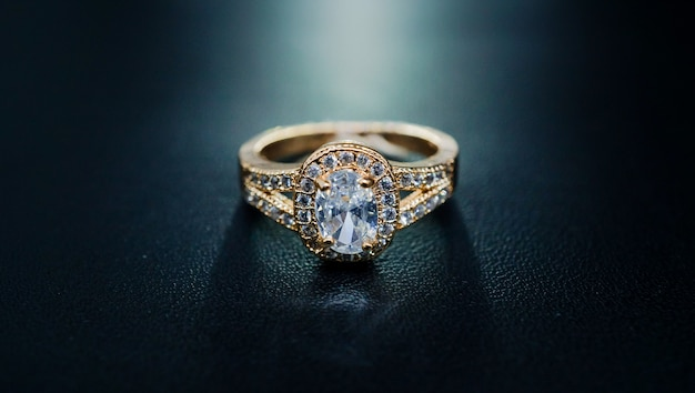 Anel de casamento pérola muito luxuoso