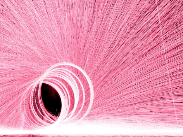 Anel de fogos de artifício girando e cauda ao redor