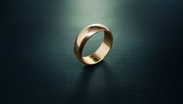 Anel de noivado de ouro liso 02