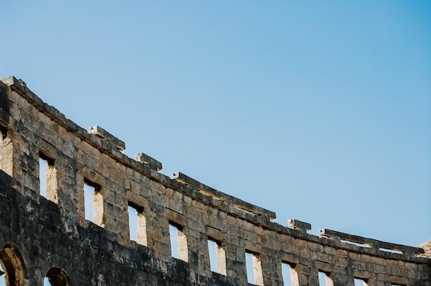 Anfiteatro romano em pula, o melhor monumento antigo preservado na croácia.