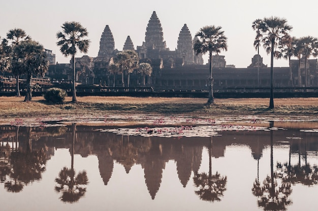 Angkor wat - complexo de templos hindus no camboja