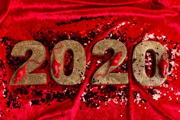 Ângulo alto do número do ano novo chinês em veludo