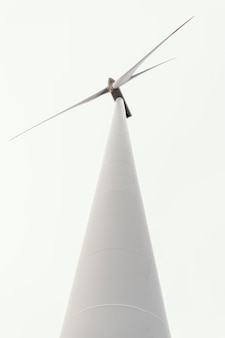Ângulo baixo da turbina eólica
