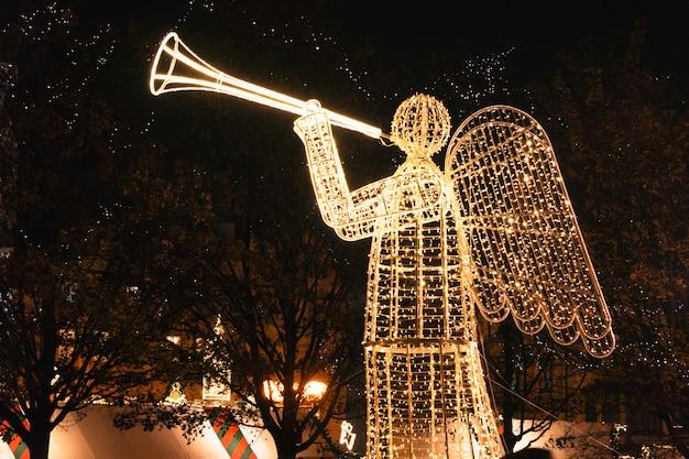 Anjo. celebração de natal na cidade velha de praga.