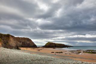 Annestown praia hdr cinza