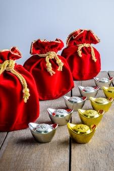 Ano novo chinês saco de tecido vermelho, ang pow com dinheiro chinês da sorte