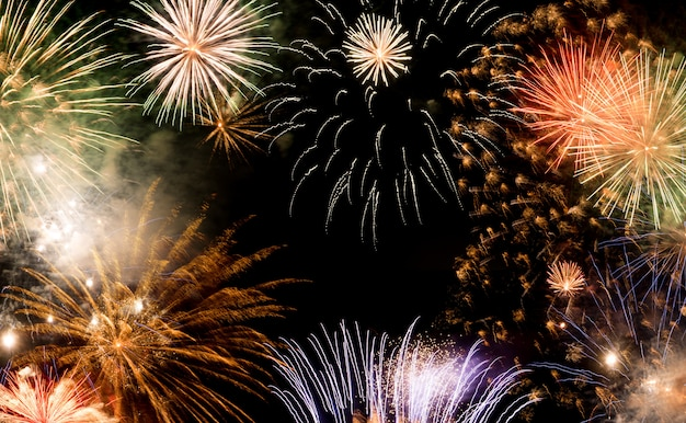 Ano novo fundo de fogos de artifício, ano novo deseja conceito