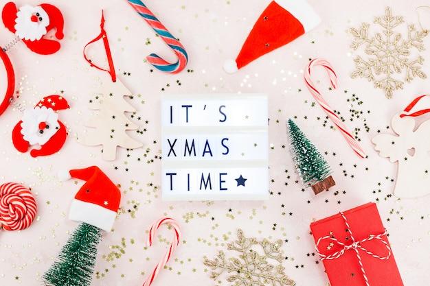 Ano novo ou decoração de natal plana leigos