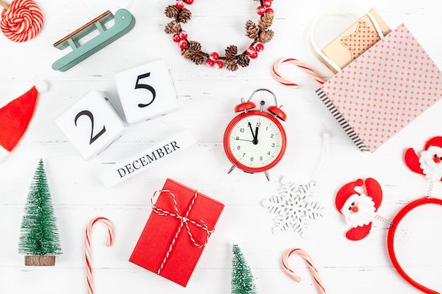 Ano novo ou natal plana colocar calendário de madeira. 25 de dezembro