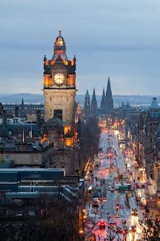 Anoitecer, torre clock, escócia, anoitecer