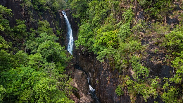 Antena da cachoeira de klong plu, ilha de koh chang