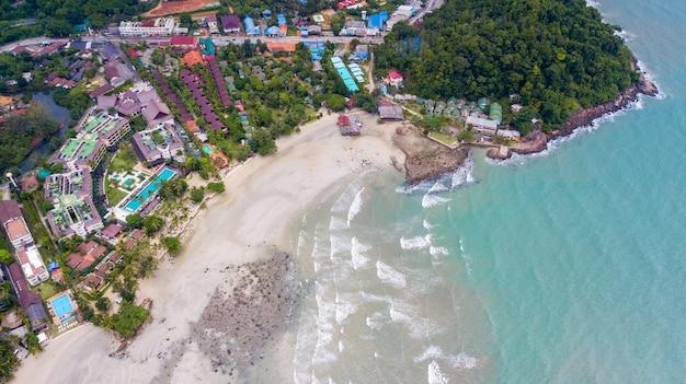 Antena da praia de klong prao no parque nacional de koh chang, trat, tailândia