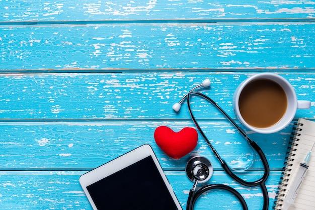 Antena plana leiga de ferramentas médicas & conceito de plano de fundo de seguro de saúde