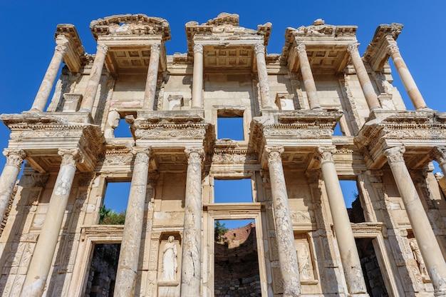 Antiga biblioteca celsius em éfeso, turquia