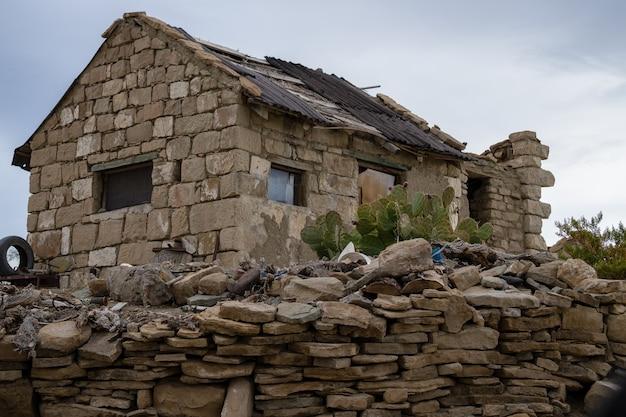 Antiga casa de adobe, de gaúchos argentinos.