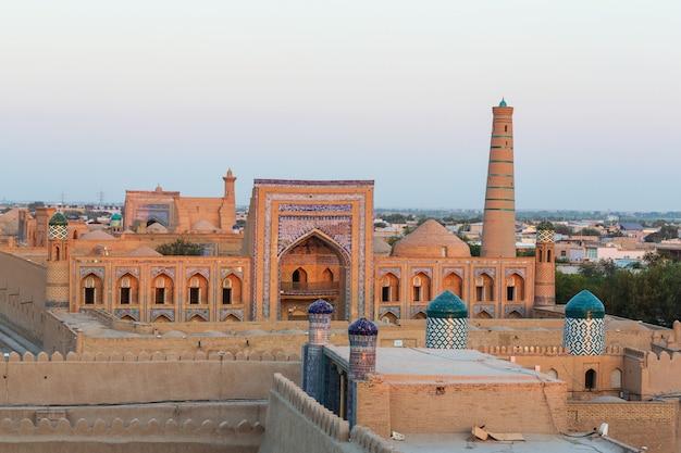 Antiga cidade de khiva, uzbequistão. patrimônio mundial da unesco