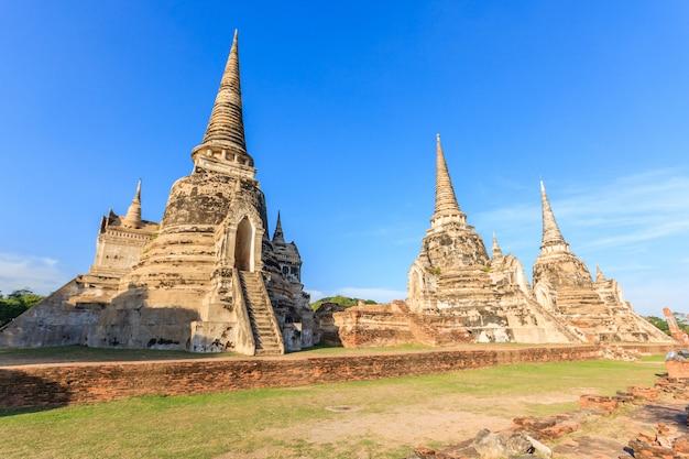 Antiga cidade e lugar histórico de wat phra si sanphet, parque histórico de ayutthaya, tailândia