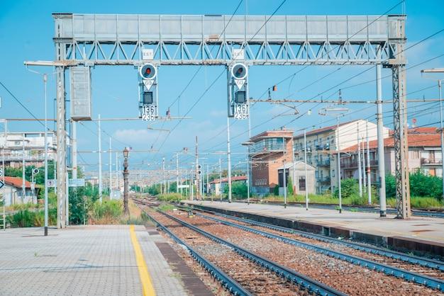 Antiga estação ferroviária na itália europa