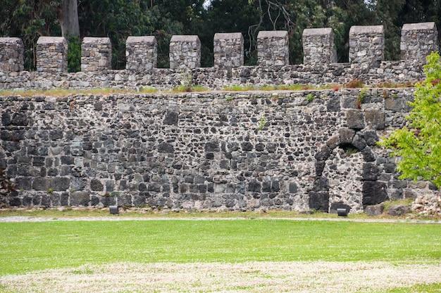 Antiga fortaleza bizantina de gonio perto de batumi, geórgia
