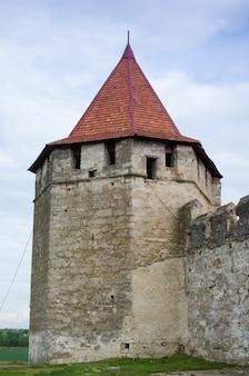 Antiga fortaleza no rio dniester na cidade bender