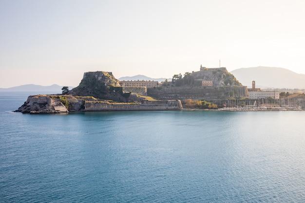 Antiga fortaleza veneziana em corfu, ilhas jônicas, grécia