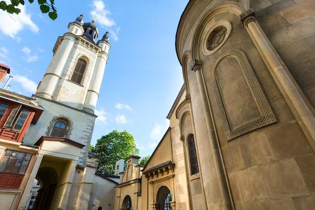 Antiga igreja armênia na cidade de lviv (ucrânia)