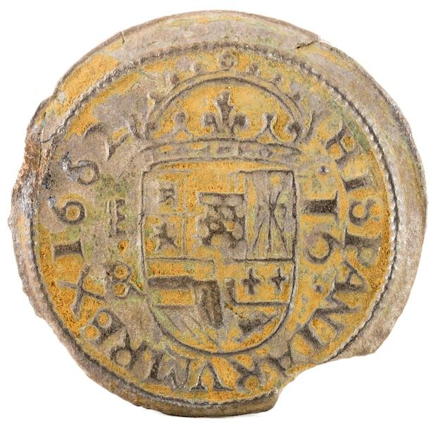 Antiga moeda espanhola de cobre do rei felipe iv. cunhado em segóvia. 16 maravedis.