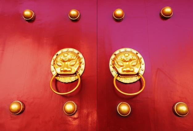 Antiga porta chinesa