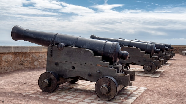Antigas, canhões, ligado, a, paredes, de, sable, d'olonne, vendee, frança