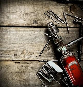 Antigas ferramentas de trabalho