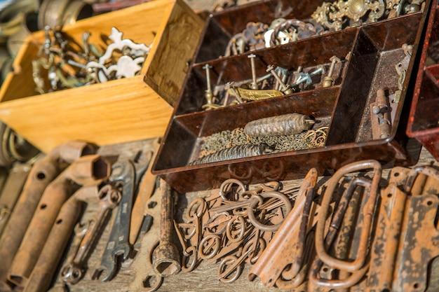Antigas ferramentas metálicas