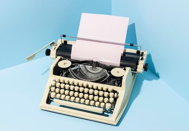 Antigo arranjo de instrumento de escrita