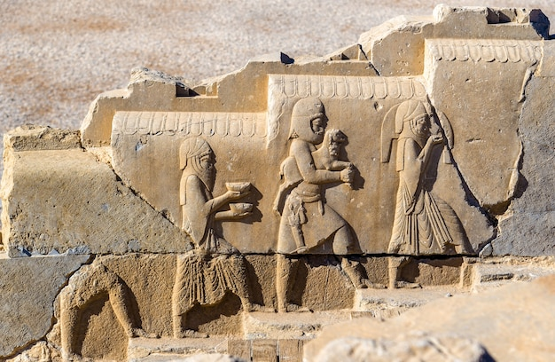Antigo baixo-relevo persa em persépolis - irã