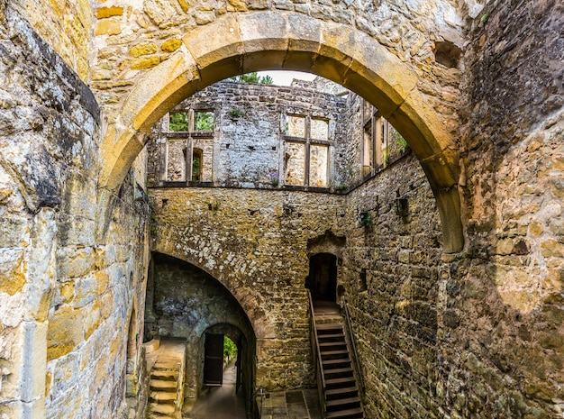 Antigo castelo, ruínas do grunge, europa