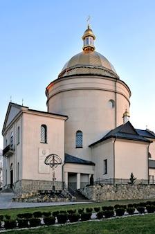 Antigo mosteiro basiliano da transfiguração do senhor, região de ivano-frankivsk, ucrânia.