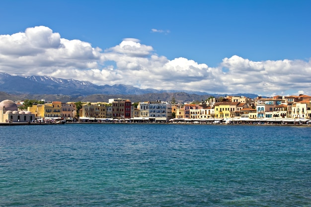 Antigo porto veneziano em chania. creta, grécia