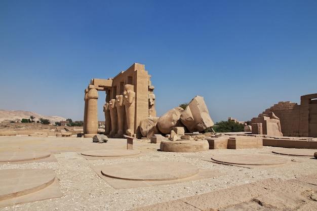 Antigo templo de ramesseum em luxor