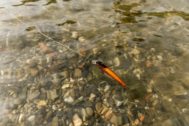Anzol no rio